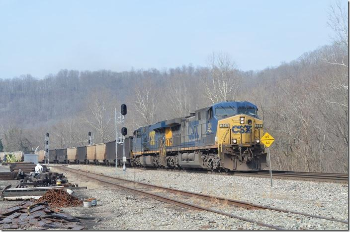 "CSX 224-810 leave Hinton WV westbound with empty tubs. These signals are referred to as ""Tool Car."""
