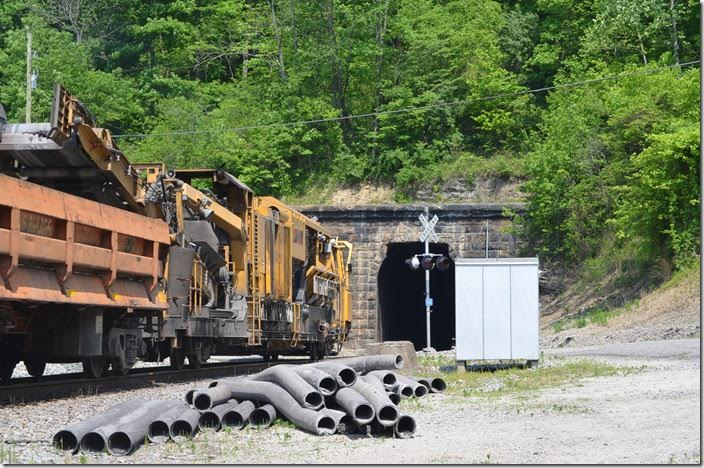 This NS LORAM ballast cleaner trams w/b at Tunnel 4 near Crum.
